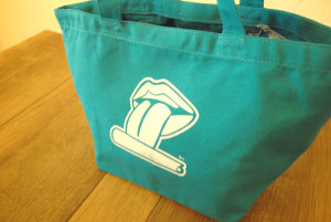 lunchbag_up_bl