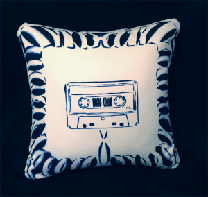 cushion44_casette_omo_naka_photo