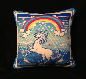 cushion44_unicorn_omo