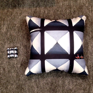 cushion_bigsmall